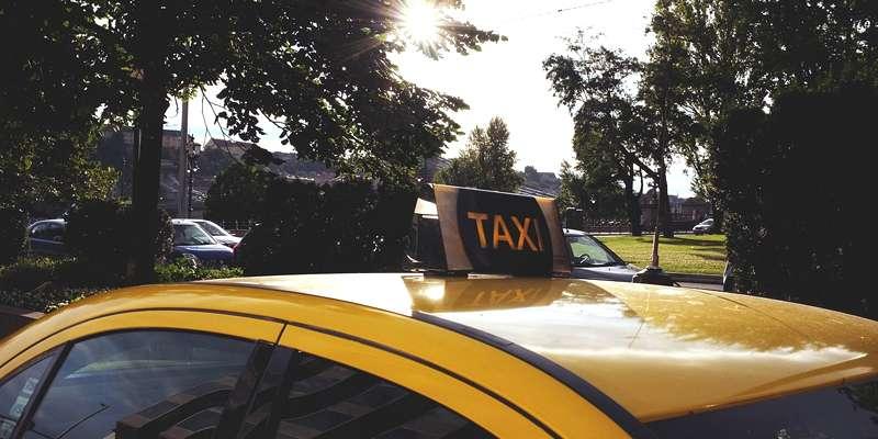 タイ人タクシー運転手の給料っていくら? - ワイズデジタル【タイで生活する人のための情報サイト】