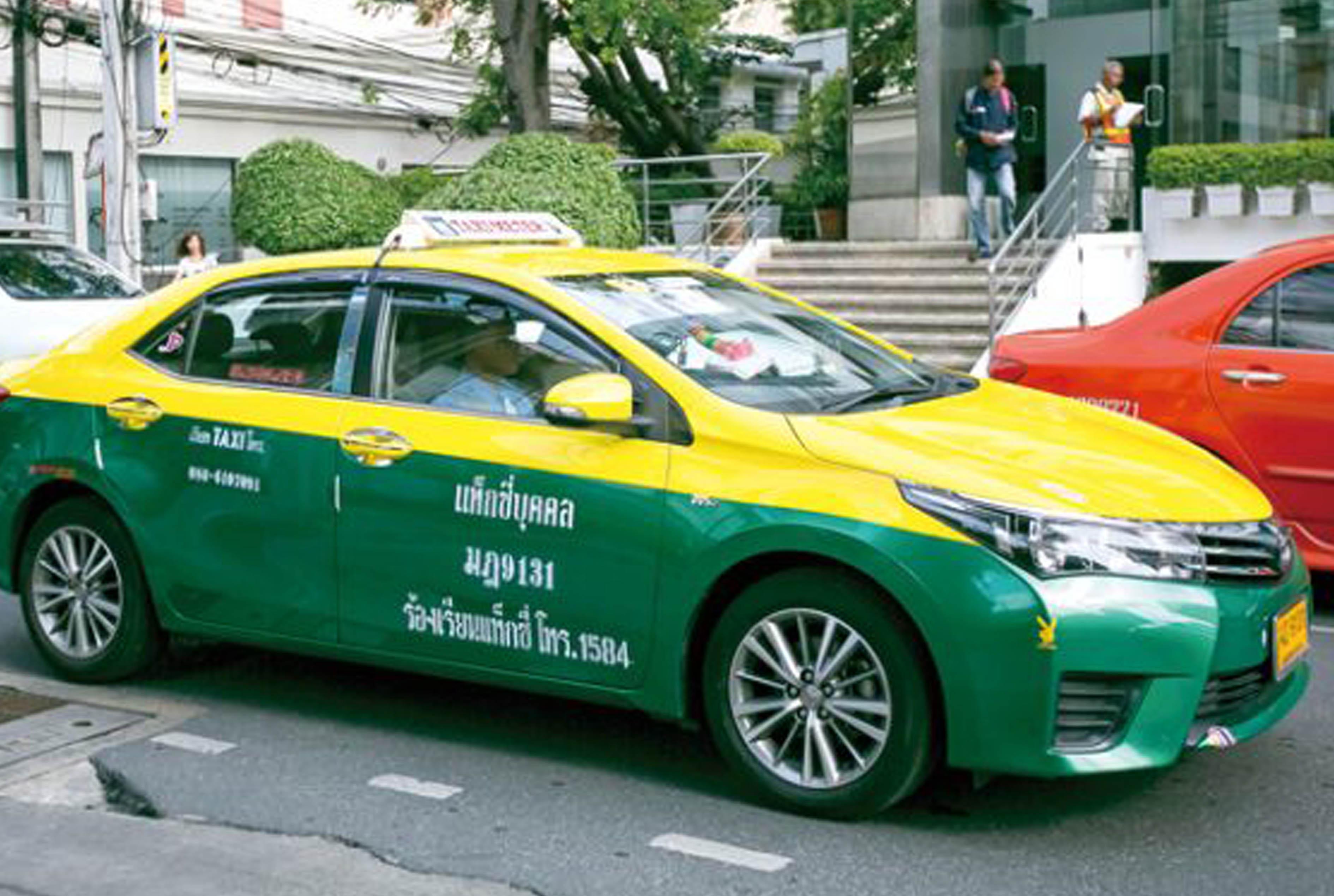 バンコク首都圏で実施されたタクシー料金の値上げの余波
