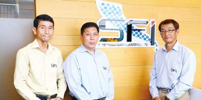 (左から)セールスマーケティング・ダイレクターの加賀亨氏、副社長のチャルーンポン・レンビラス氏、セールス・マネージャー・フォーレンアフェアーの良藤有一氏