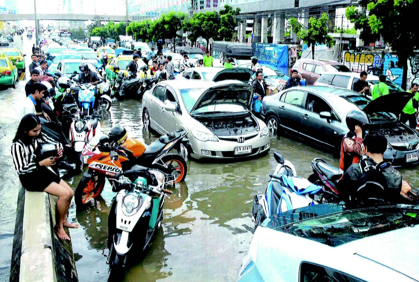 洪水と干ばつが同時発生 - ワイズデジタル【タイで生活する人のための情報サイト】