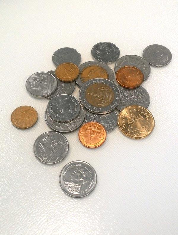 「タイの硬貨にはなぜ国王とお寺が?」