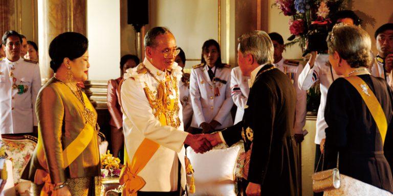 訪タイ。天皇、皇后両陛下