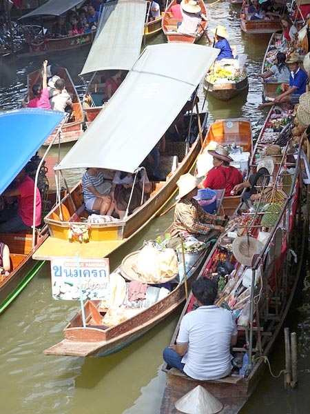 「タイの水上マーケット」
