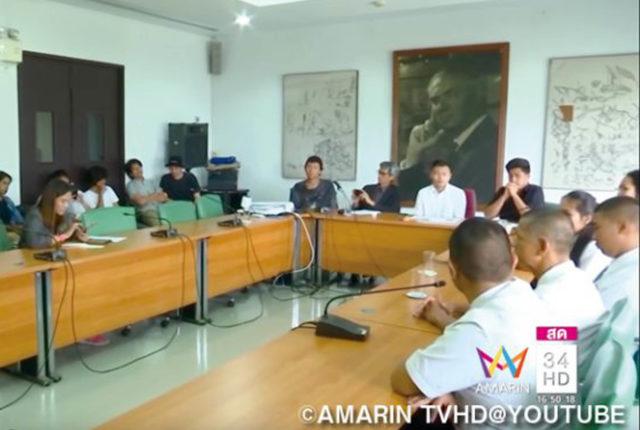 タイの大学新入生歓迎会 - ワイズデジタル【タイで生活する人のための情報サイト】