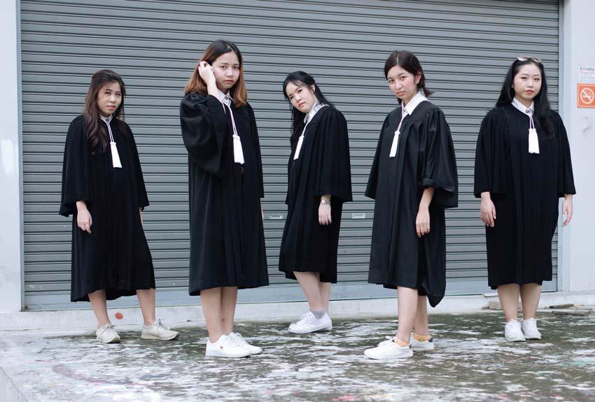 卒業シーズンは写真撮影大会? - ワイズデジタル【タイで生活する人のための情報サイト】