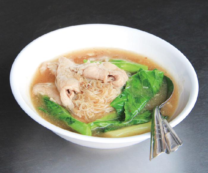 コスパ抜群! 柔らか豚肉のあんかけ麺 - ワイズデジタル【タイで生活する人のための情報サイト】