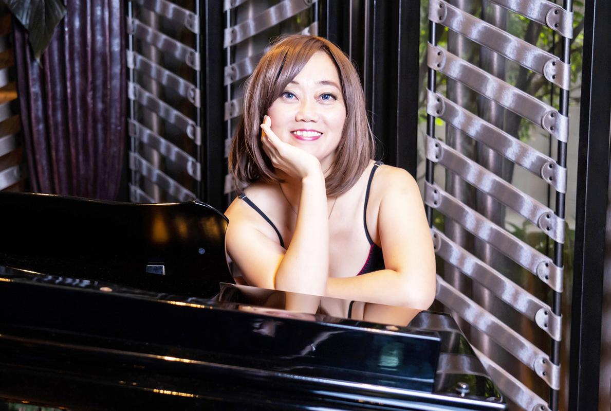 「声に導かれ、人生が変わった」 タイ唯一の日本人ジャズシンガー