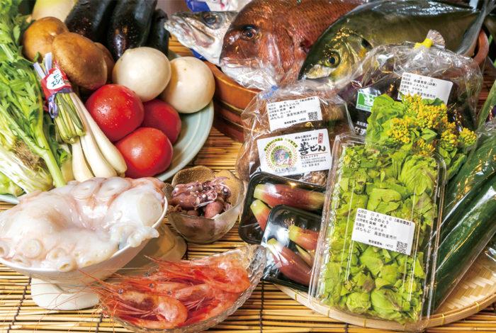 野菜は埼玉県秩父市の山から収穫したり、同市の直売所などから仕入れりしたものを使用。時期に応じてその時々で一番美味い食材が同店に届き、バンコクに日本の四季を伝える。同店自慢の新鮮な海の幸にもぜひ舌鼓を打ちたい