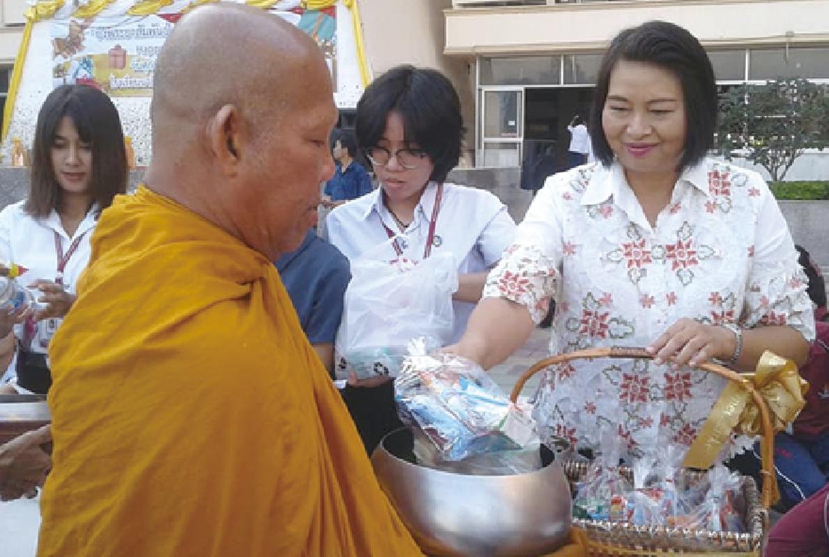 タイの祝日 仏誕節って?