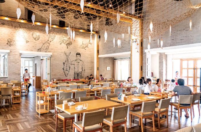 開放的な美食空間と、パーティ仕様の個室を完備