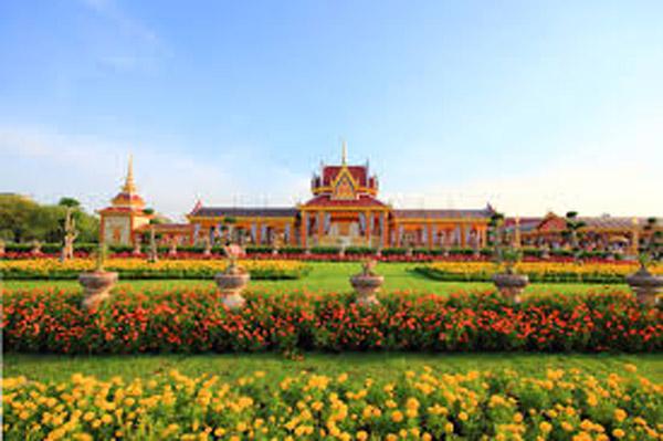 王室ゆかりの広場サナームルアンって? - ワイズデジタル【タイで生活する人のための情報サイト】