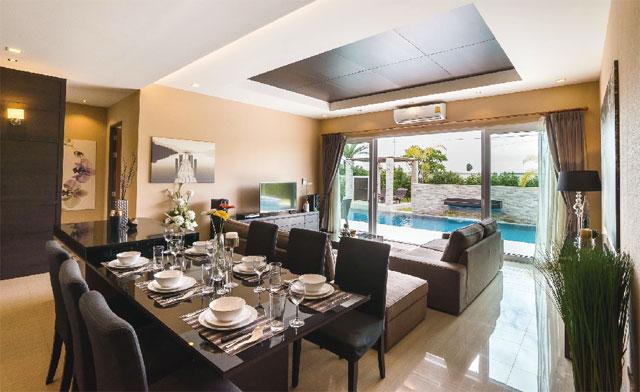 キッチン設備もあり、自分たちのペースでゆったりと食事をするのも◎ The Ville Jomtien Pool Villa ザ・ヴィル・ジョムティエン・プール・ヴィラ