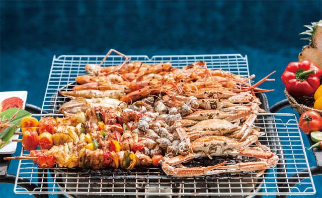 パタヤの海で獲れた新鮮なシーフードが食べられるBBQはマスト! The Ville Jomtien Pool Villa ザ・ヴィル・ジョムティエン・プール・ヴィラ