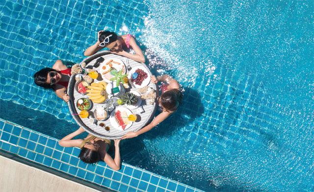 朝食はオプション「Floating Breakfast」で優雅なひとときを堪能して The Ville Jomtien Pool Villa ザ・ヴィル・ジョムティエン・プール・ヴィラ