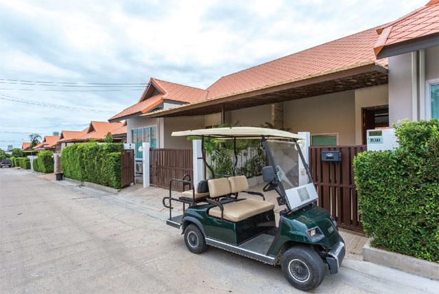 ゴルフ好き必見 カートで楽々アクセス◎ The Ville Jomtien Pool Villa ザ・ヴィル・ジョムティエン・プール・ヴィラ