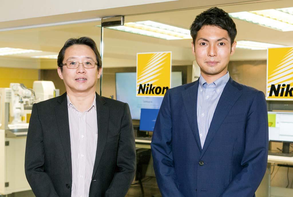 「NIKONの技術力の高さをさらにタイに浸透させていきたい」と語る同社の野村佳之セールスマネージャー(右)と「Hollywood International」のウィティットDM