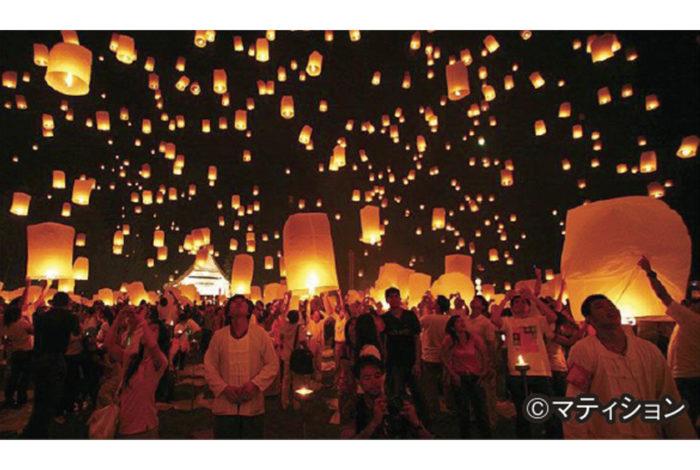 """""""世界で最も美しいお祭り""""とも賞される「ロイクラトン(イーペン)」。今年も幾千のコムローイ(ランタン)が夜空に打ち上げられ、幻想的な世界を魅せるチェンマイには、国内外から多くの観光客が訪れた。ところが、その舞台裏ではコムローイによる事故や被害も発生している。"""