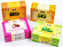 アパイプベート - ストレッチマーククリーム - 効能:石鹸 - 用法・用量:顔や全身を洗う時にお使いください - 情報:タイの果物やハーブエキスなどを配合した石鹸 - 価格目安:30B前後