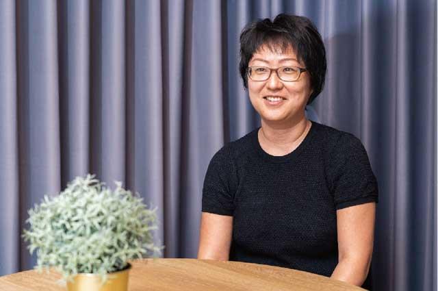 杉本有佳子さん/ 昇太くん(7・卒園生)英語や運動など専門の先生(講師)が教えてくれる本物志向が気に入っています。プロフェッショナルに教わることで、「自分も将来こうなりたい!」というお手本と触れて欲しかったんです。
