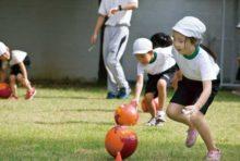 オイスカバンコク日本語幼稚園 (エカマイ〜プラカノン) - OISCA Kindergarten International School - 東京に本部を置くNGO(OISCA)の考えを建学の精神とし、アジア各国で日本人子女の教育を行っています。運動や野菜作りなどの自然体験、日タイ両文化の理解に繋がる遊び中心のプログラムを通し、周囲を思いやれる日本人マインドを持った子を育成します。