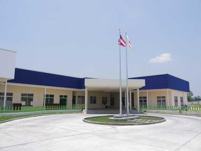 オイスカシラチャ日本語幼稚園 (シラチャ) - OISCA Sriracha Kindergarten International School - バンコク姉妹園として2009年に開園。限りなく日本の保育に近い環境で子どもと接することを目的とし、英語や音楽、手遊びなどによる充実した保育と四季折々の楽しいイベントが行われています。国際NGOオイスカの理念を基に、一貫した幼児教育を行っています。