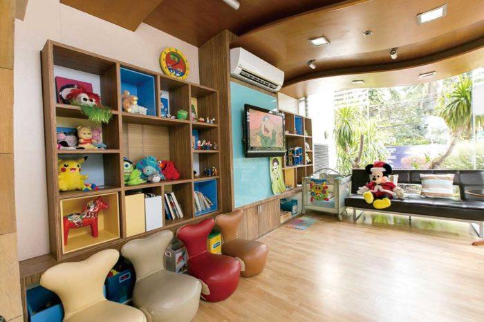 バンコクの歯科医院は、キッズルームや親が付き添える個室が完備されているところが多数。写真提供:Pacific Dental Care