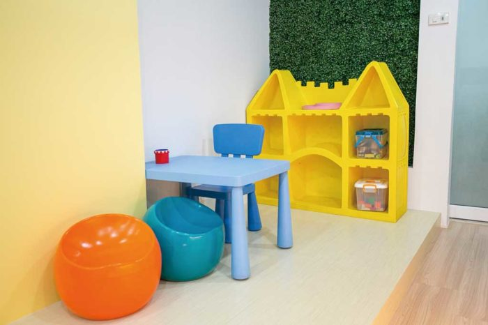 バンコクの歯科医院は、キッズルームや親が付き添える個室が完備されているところが多数。写真提供:富士JDC歯科医院