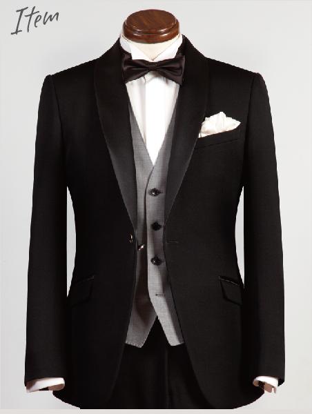 フォーマルウエアの代表格・タキシードは、タイでも流行り廃りのない黒色が主流。商品発表会やレセプションなどあらゆるビジネスシーンに応用でき、日本にいるよりも圧倒的に着る機会が多いことからぜひ一着は抑えておきたいアイテムです。