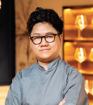 Jay - The Owner of Restaurant Stage