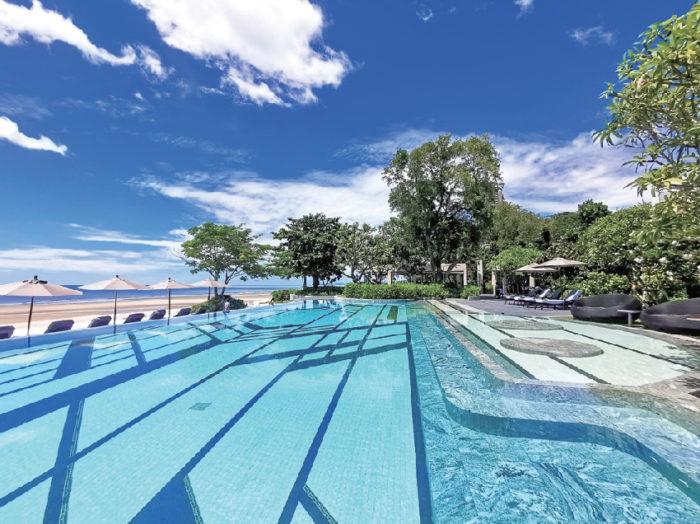 南国ムード満点の 青い空と海、心地いい風! Baba Beach Club Hua Hin ババ・ビーチ・クラブ・ホアヒン