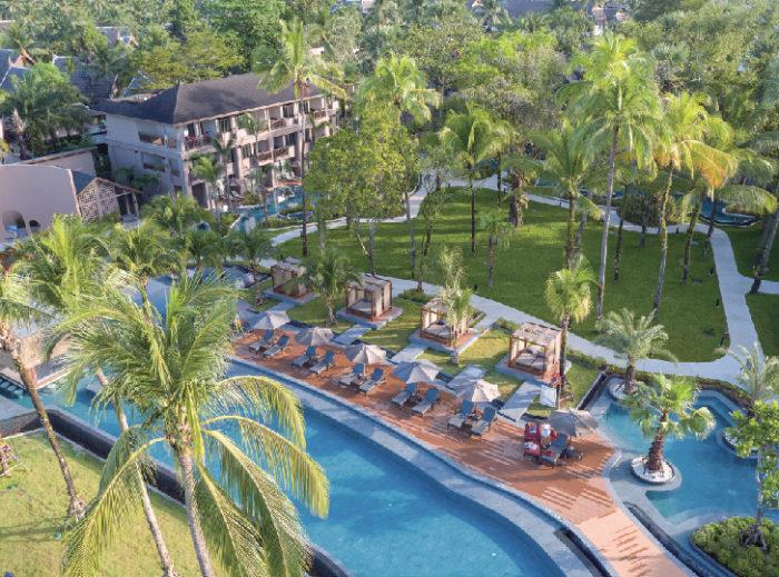 緑に囲まれたプールエリアでリラックスして La Flora Khao Lak ラ・フローラ・カオ・ラック