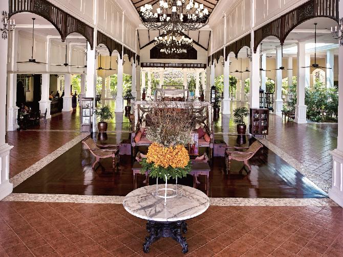 コロニアル様式を採用した吹き抜けのロビー Sofitel Krabi Phokeethra Golf & Spa Resort ソフィテル・クラビ・ポーキートラー・ゴルフ&スパリゾート