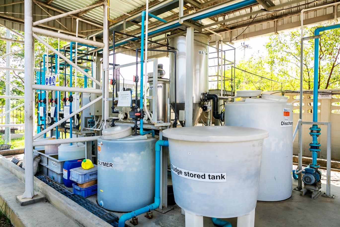 """บริษัท """"FUKUI BYORA (THAILAND)"""" ติดตั้งระบบบำบัดน้ำเสียแบบเอสบีอาร์ (Sequencing Batch Reactor) ที่มีขนาดกะทัดรัดเพียง 40 m2 ซึ่งเป็นเทคนิคที่ทำได้เฉพาะบริษัทที่สั่งสมความรู้ความชำนาญเอาไว้มากมายอย่างบริษัทเราเท่านั้น"""