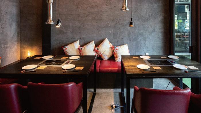 各テーブルにスタッフが付き、絶妙な加減で焼いてくれるので食と会話に集中できる