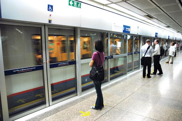 2004年に開通した首都圏を走る地下鉄と、2016年に開通した北部の高架鉄道。現在も延伸工事が行われています。