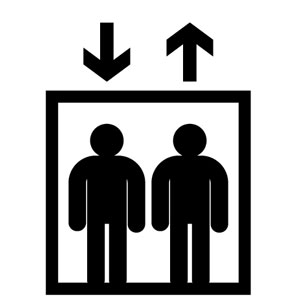 駅のエレベーター MRTには全駅エレベーターが設置されていますが、故障中で利用できないことが多いです。BTSの駅では、順次設置工事が行われています。また、係員を呼んで操作してもらわないと、使用できないエレベーターもあります。