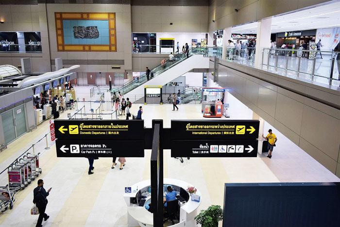 スワンナプーム国際空港から移転する航空会社やLCCの拡大で発着便が増えたことにより、リニューアルオープン。現在は、ターミナル1が日本からのLCCも就航する国際線専用、ターミナル2が国内線専用になっています。