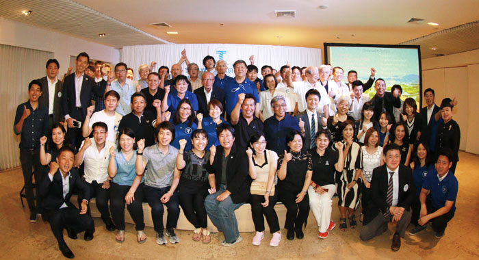 東海大学同窓会 タイ支部 現在タイには、日本人・タイ人合わせて300名を超える同窓生がおり、総会を年1回開催しております。まずはお名前、卒業学部、卒業年度を代表者までお知らせください。
