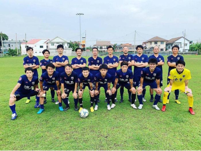 Bangkok United Japan バンコクで活動しているサッカーチームです。外国人リーグに参加してます。35歳以上限定の1day大会もあります。ガチでサッカーしてます。サッカー仲間募集中!!