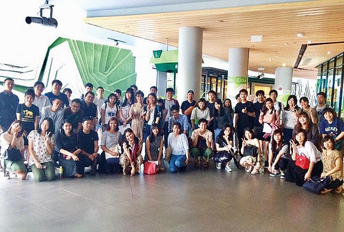 日タイ交流会話クラブ 日タイ交流会をバンコクで毎月1回、日曜夕方に開催。日本に興味のあるタイ人と言語交換。毎回約50名、初参加も多数。大人気の日タイ交流ゲームあり。タイ語初心者は日本語・英語も可。