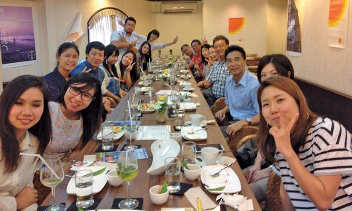 タイ国宮崎県人会 宮崎にゆかりのある方でしたらどなたでも参加していただけます。県人会のほか、ゴルフ会や女子会も開催しています♪家族での参加も大丈夫です。宮崎繋がりでみんなでワイワイやっています!