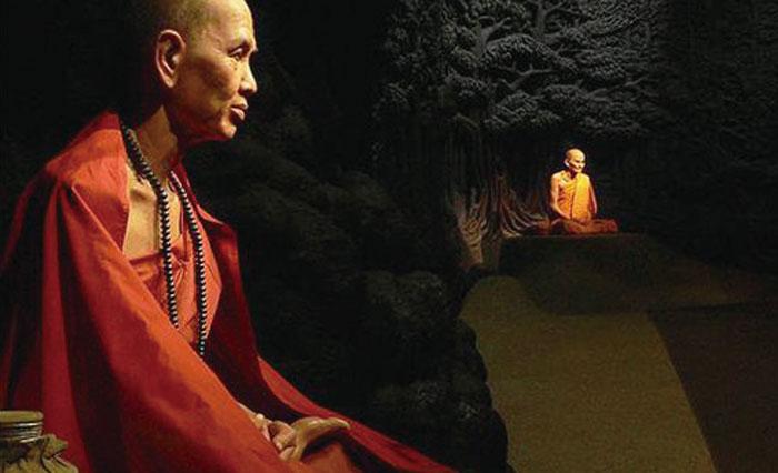 Thai Human Imagery Museum タイの現王朝である、チャクリー王朝の歴代の王やさまざまな生活や歴史、文化を展示する博物館。約120体の蝋人形は、表情やしぐさなど、まるで生きているよう。