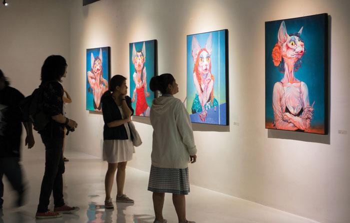 Number 1 Gallery タイ様式やコンテンポラリーアート、応用美術などの作品が集まるアートギャラリー。特に仏教色の強い作品には目を見張るものがあり、ラインナップも豊富です。