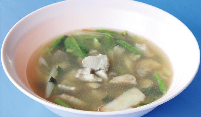 イサーン風豚軟骨スープ ・・・70B