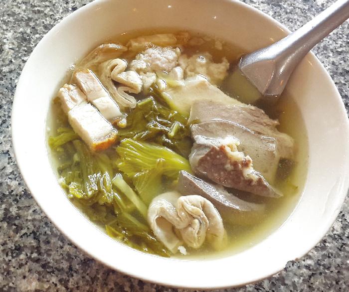 モツ好きはたまらない! 絶品スープ - ワイズデジタル【タイで生活する人のための情報サイト】