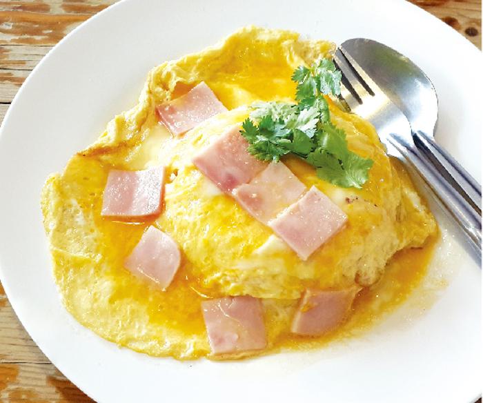 ハムの半熟卵焼きご飯 ・・・50B