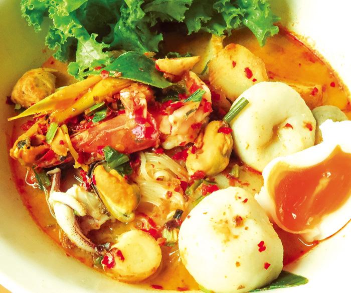 多彩なトッピングが◎ 絶品トムヤム麺 - ワイズデジタル【タイで生活する人のための情報サイト】