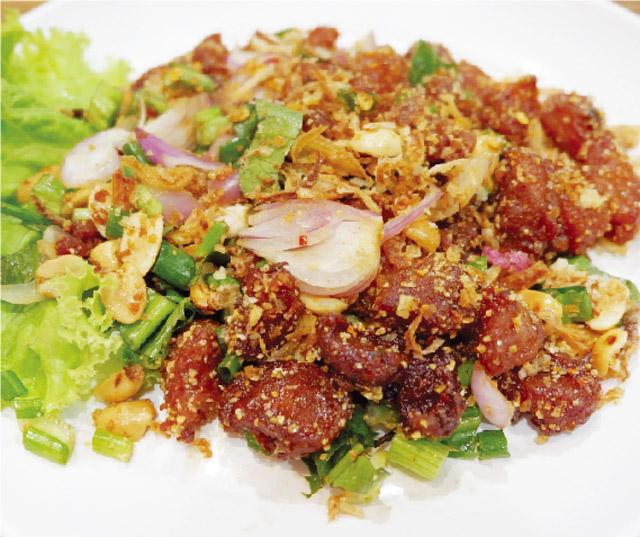 イサーン風サラダに箸が止まらない! - ワイズデジタル【タイで生活する人のための情報サイト】