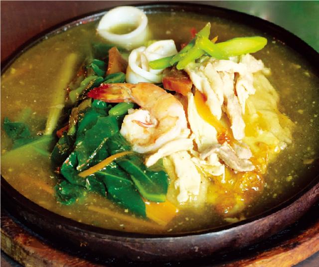 アツアツのタイ風あんかけ麺がアロイ! - ワイズデジタル【タイで生活する人のための情報サイト】