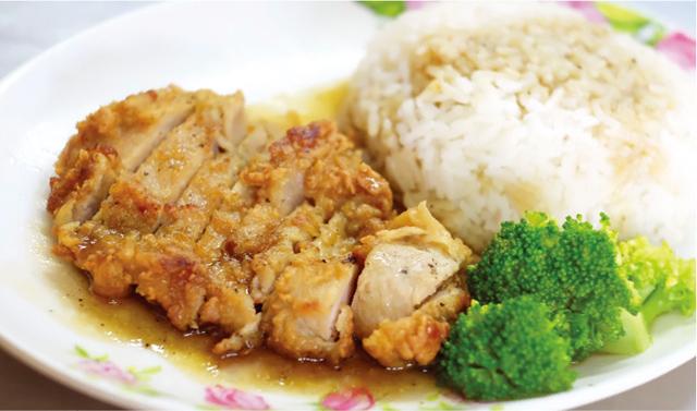 揚げ豚肉のせご飯 ・・・ 55B